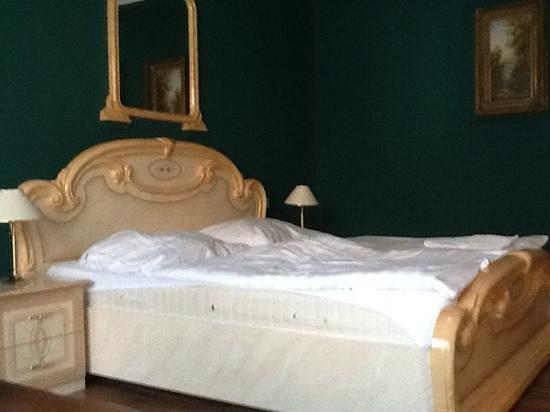 Hotel Bow Garden: het bed
