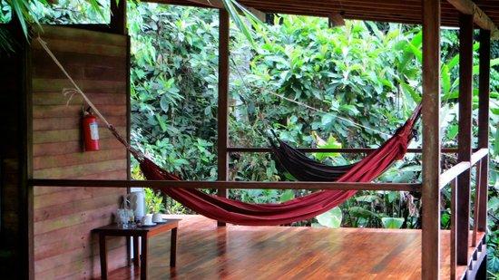 Huella Verde Rainforest Lodge: Superior Bungalow Terrace