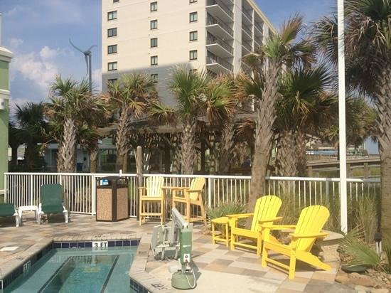 Wyndham Vacation Resorts Towers on the Grove: great views from pool area