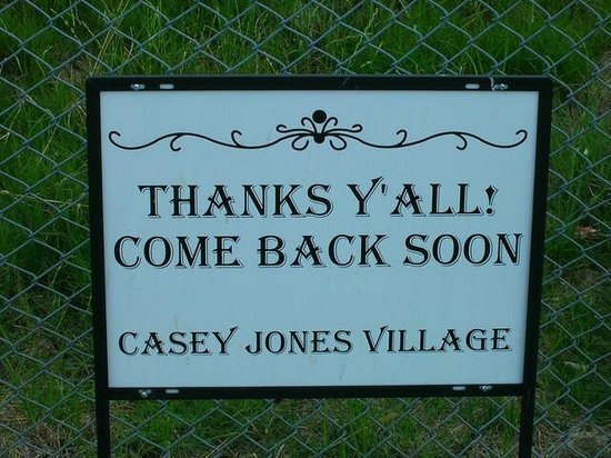 M Star Hotel Jackson: The hotel is steps from Casey Jones Village