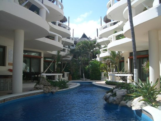 Playa Palms Beach Hotel: Pool