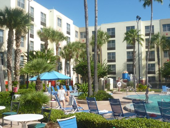 Hawthorn Suites by Wyndham Orlando Convention Center: pool area