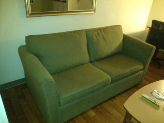 Extended Stay America - Atlanta - Gwinnett Place: Couch