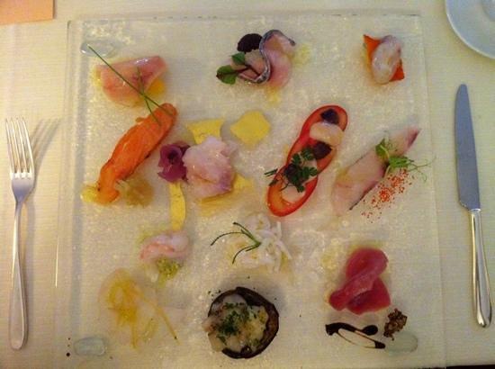 Nido del Picchio: Gran piatto crudo di pesce e crostacei