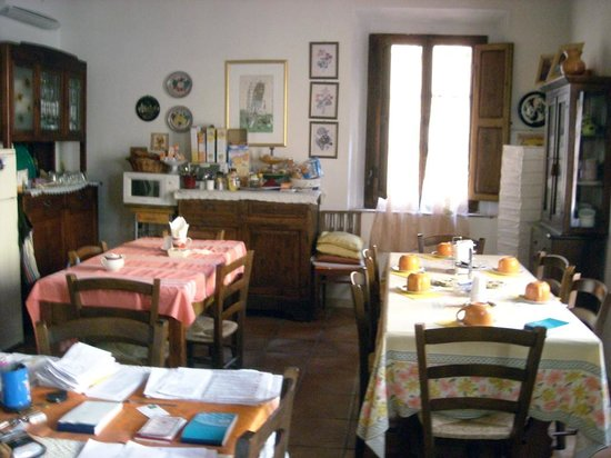 Due Borghi: Sala colazioni