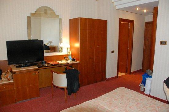Astra Hotel: Camera matrimoniale
