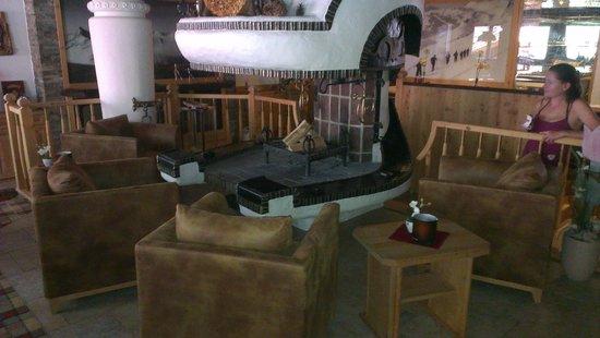 Hotel Gletscher & Spa Neuhintertux: Traum Kamin in der Bar im Hotel