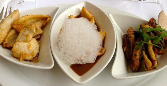 Au Vieux Navire : Trio of filets de perch