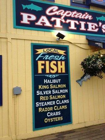 Captain Patties Fish House: Promise of Razor Clams!