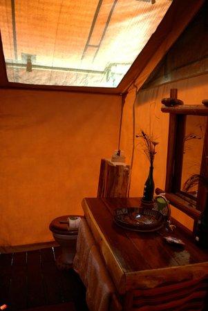 Mara Eden Safari Camp: bathroom