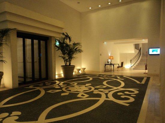 UNA Hotel Palace: Entrada