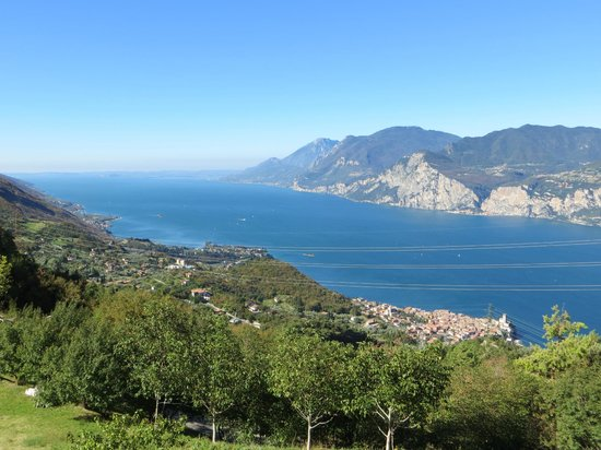 Locanda Montebaldo: View from hotel terrace