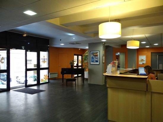 Premiere Classe Marseille Centre : hall d'entrée
