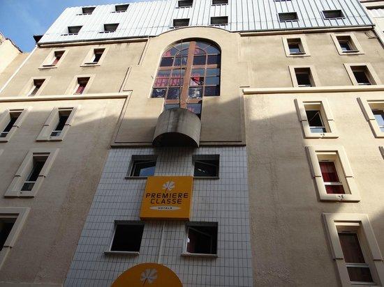Premiere Classe Marseille Centre: la façade extérieure