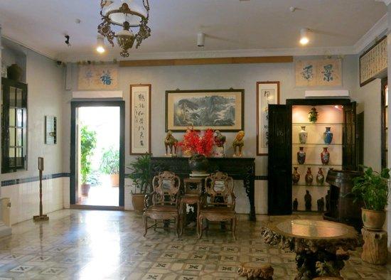 Hotel Puri: Drawing room of sorts