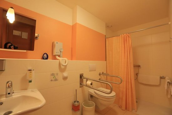 city hotel ljubljana handicapped bathroom