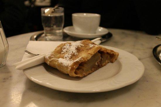 Cafe Griensteidl: Apfelstrudel
