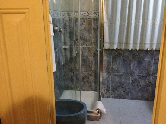 Alvares Cabral Guest House: bagno