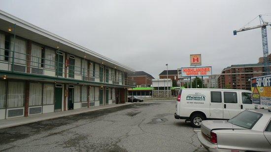 Highlander Motel