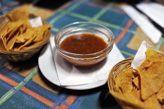 Rosa's Cantina : Chips