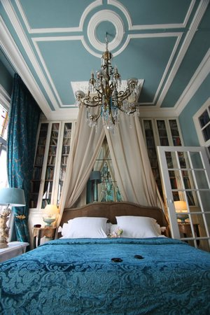 Breitner House: simply the best bed ever