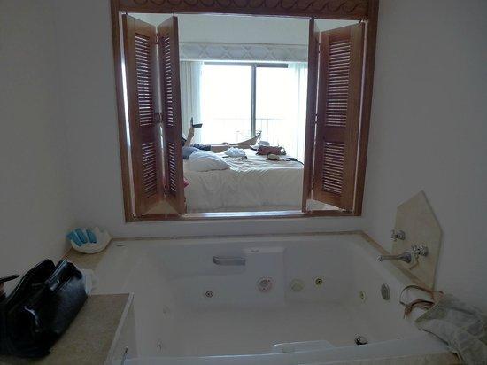Villa Premiere Boutique Hotel & Romantic Getaway: view from the jacuzzi bathroom