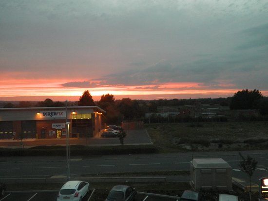 Premier Inn Glastonbury Hotel: sunset over the sewerage works