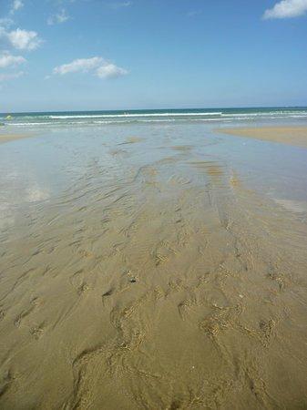 Kerhillio Plage : au ras des vagues