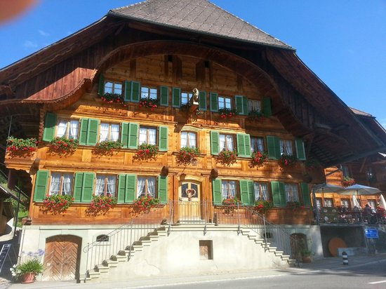 Gasthof zum Lowen : the hotel is a typical Emmental house