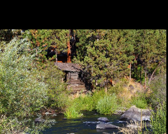 Riverhouse on the Deschutes : Cabin From Restaurant