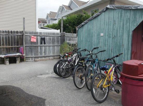 Marlane Motel : bike rack