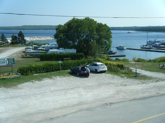 The Meldrum Bay Inn: The vue from our balcony