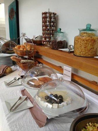 Lanna Samui: buffet spread