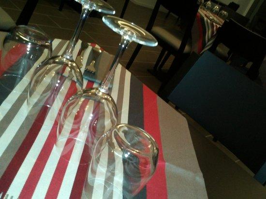 table rev tue de linge basque photo de restaurant joanto briscous tripadvisor. Black Bedroom Furniture Sets. Home Design Ideas
