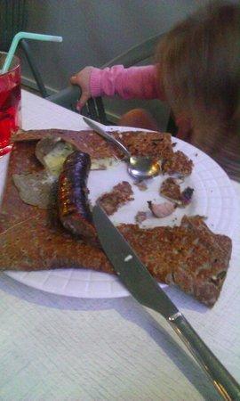 Crêperies Fleur de Sel: galette saucisse de Guerande et fromage