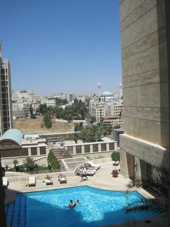 Grand Hyatt Amman: Piscina