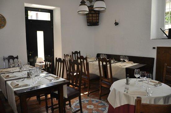 Sala da pranzo interna piccola climatizzata picture of - Sala da pranzo piccola ...