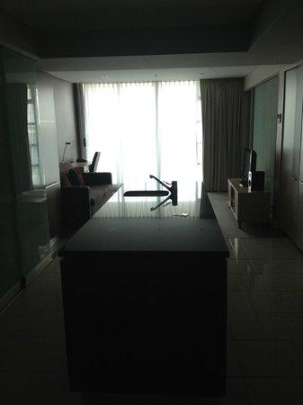 Oaks Embassy: Lounge area/kitchen