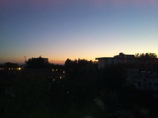 Hotel Promenade Universale : Vista da camera