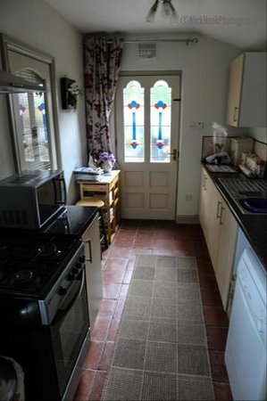 The Old Coach House: kitchen area