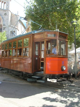 Baulo Mar Apartaments: Tram in Soller