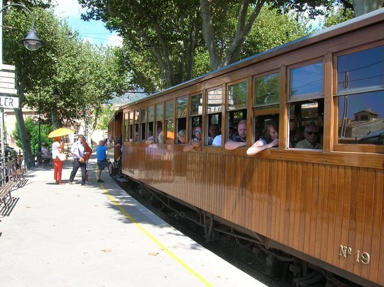Baulo Mar Apartaments: Train at Soller