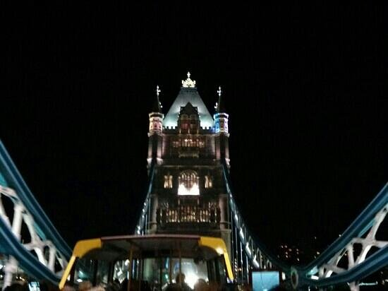 See London By Night: tower bridge
