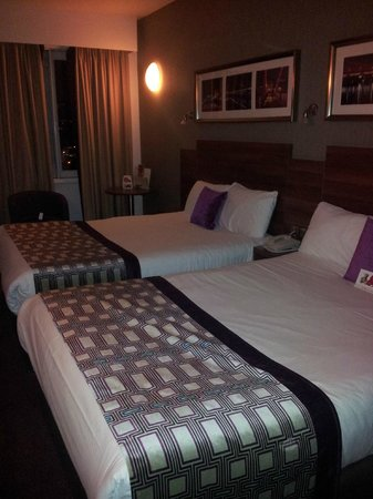 Jurys Inn Glasgow: camera familiare con due letti matrimoniali alla francese