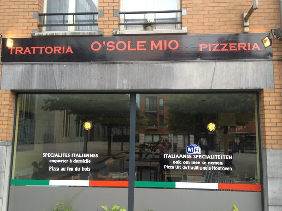 O Sole Mio: Out side front. Of o solemio
