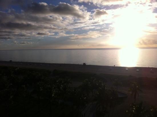 The Tides South Beach: Sunrise from the balcony
