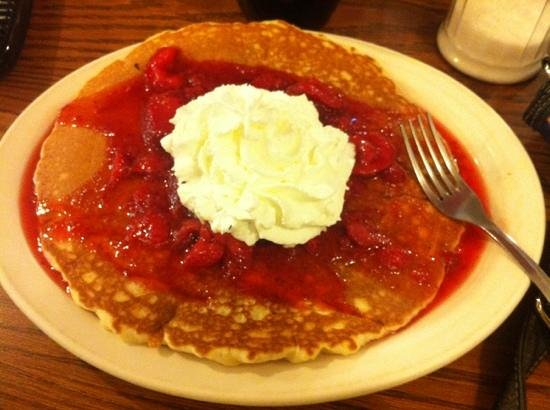Mary's Cafe & Pub: medium strawberry pancake