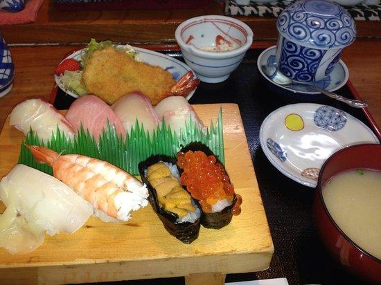 Isshin : 寿司定食¥1,365-