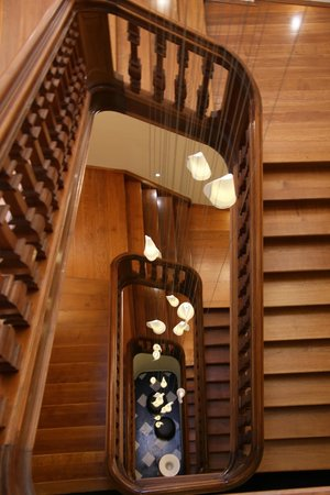 Grand Hotel Merici: Prachtig mooi trappenhuis