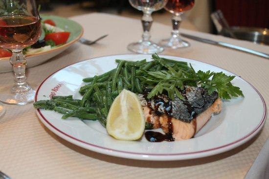 Le Bistro Romain: Salmon